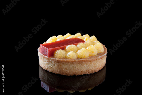 Tart fruit and strawberry jelly