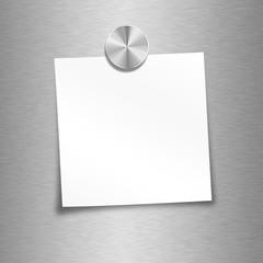 Notizzettel klein weiß mit Magnet befestigt - leer