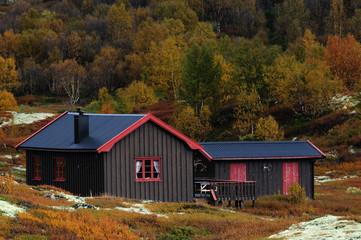 Jagdhütte im Herbst