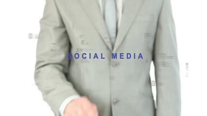 Man pressig the social media button