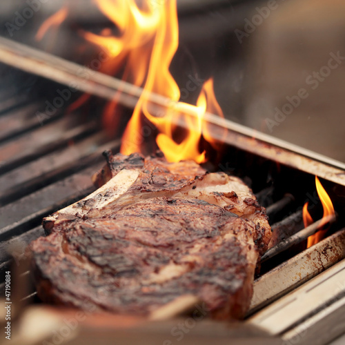Rib Eye Steak auf dem Grill