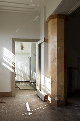 abandoned building, empty room with column