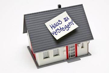 Haus zu versteigern