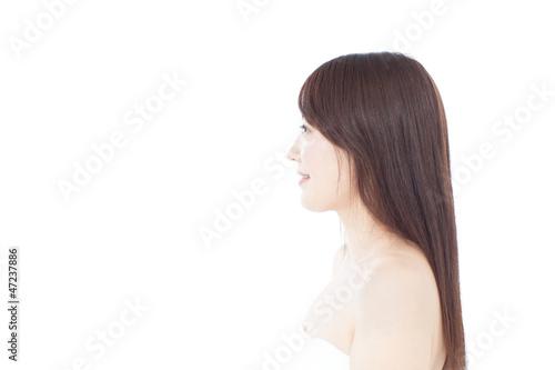 バスタオル姿の女性