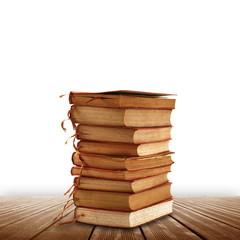 libri su fondo legno