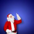Santa auf blauem Hintergrund
