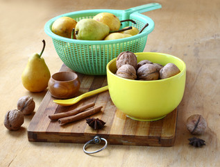 Pears,  walnuts, cinnamon and ginger