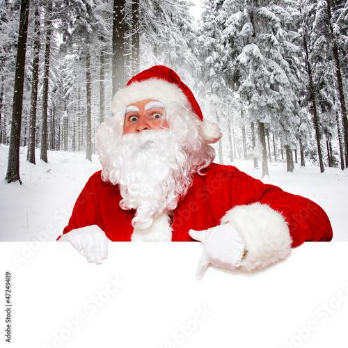 Weihnachtsmann mit Wintermotiv