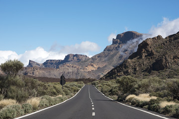 the road to the Vulcano