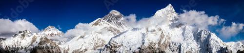 Mt. Everest, Lhotse, Pumori © lumen-digital