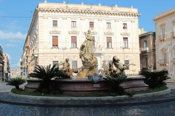 Siracusa, Piazza Archimede, Fontana di Artemide