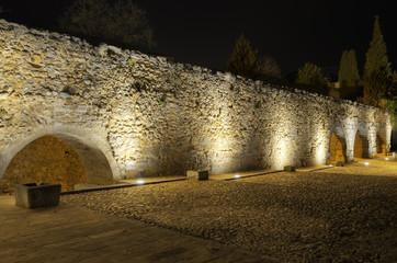 Segovia aqueduct at night