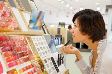 girl buying cosmetic