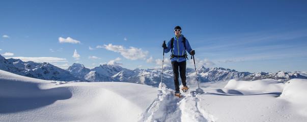 Schneeschuhwanderung in den Alpen