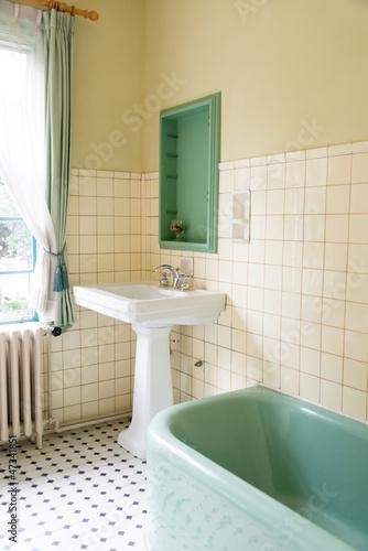レトロなバスルーム