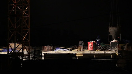 TIME-LAPSE of Builders at night