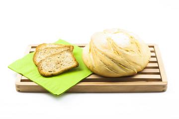 Hogaza de pan y pan tostado