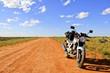 Einsames Motorrad in der Wüste Outback Australien