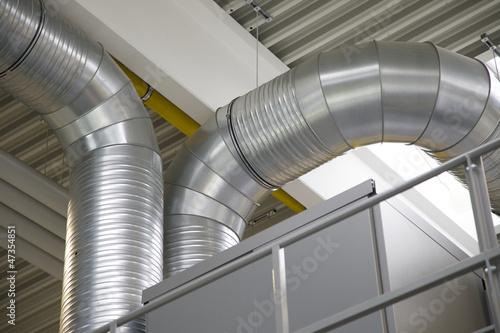 Leinwanddruck Bild Metallrohre und Lueftungsrohre