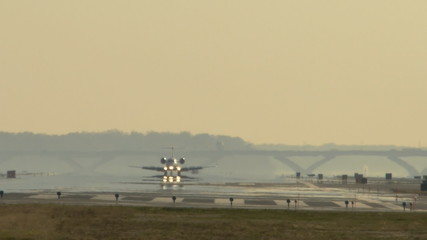 Airplane landing in National airport Washington DC time lapse