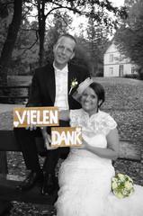 Vielen Dank - wedding couple in autumn - partly coloured