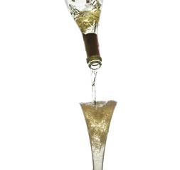 Champagner iwird eingegossen