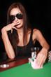 Attraktive Frau im Spielcasino