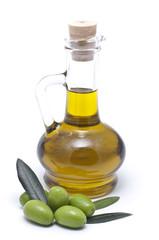olio extravergine con olive