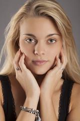 Attraktive junge Frau - Beauty-Aufnahmen
