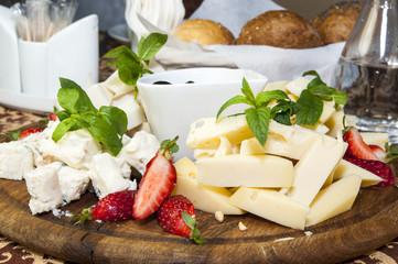 Сырная тарелка от шеф-повара