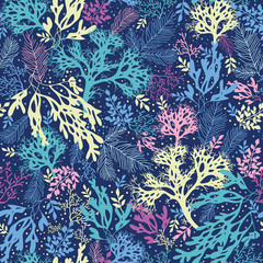 Vector underwater seaweed seamless pattern background with hand