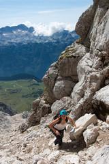 Giovane alpinista scala il Jof di Montasio