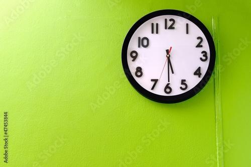 Leinwanddruck Bild Clock showing 5:30 o'clock