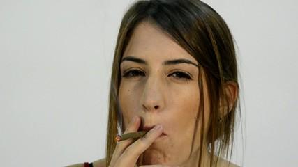 fumando chica