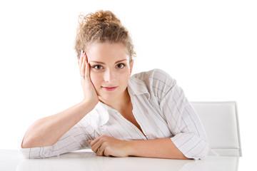 Portrait einer jungen Dame in Weiß