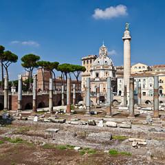 Roma, Chiesa di Santa Maria di Loreto con Colonna Traiana