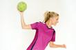 Blondine beim Handball