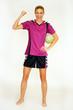 Mädchen spielt Handball