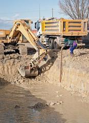 operazioni di scavo