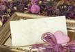 Grusskarte mit Herz und Blumen
