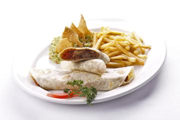 Burritos de carne de res. Comida mexicana.