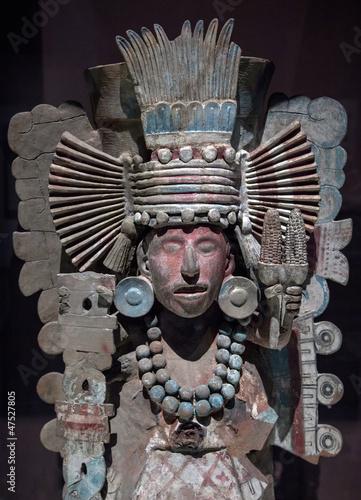 Pre-Columbian Mesoamerican stone statue
