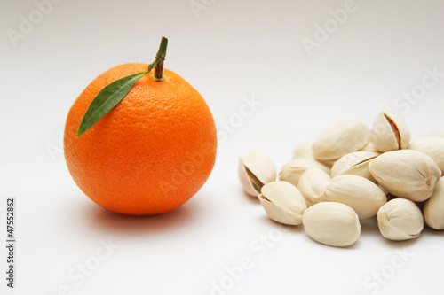 Mandarin and pistachios