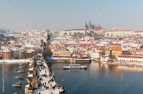 Aluminium Praag Charles Bridge and Prague Castle at winter