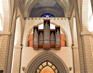 Organ in roman catholic church
