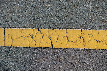 striscia gialla