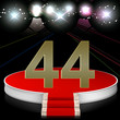 Zahl 44 auf Bühne im Rampenlicht