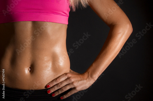 female muscles - 47617414