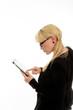 Geschäftsfrau mit Tablett-PC