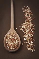 Cucchiaio con cinque cereali